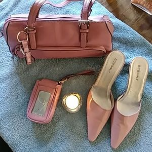 BUNDLE FOR SALE. BCBG MULES NINE WEST PURSE 👛